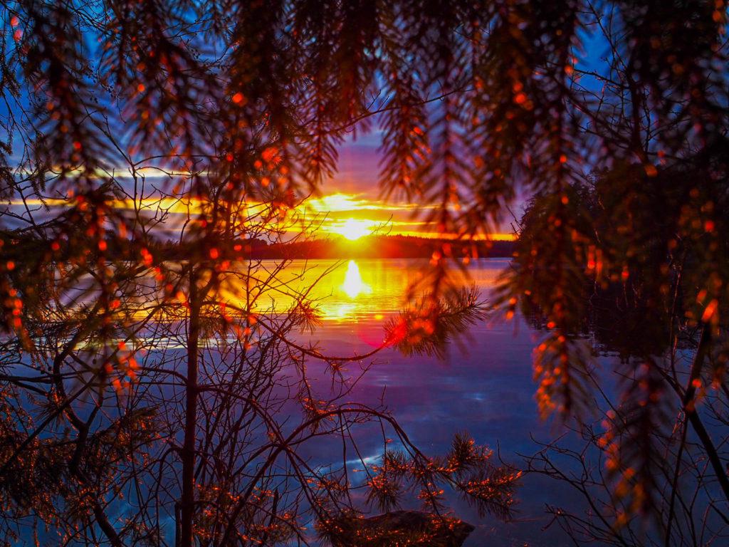 talviretkeily | Auringonlasku järvellä.
