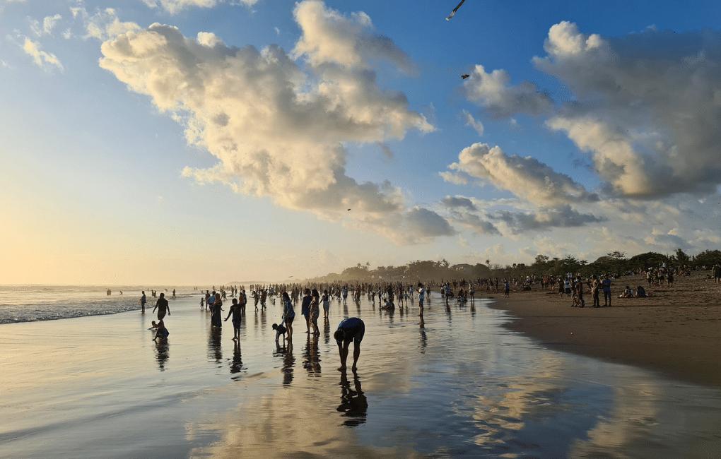Indonesoian tapakulttuuri, Balin rantaa.